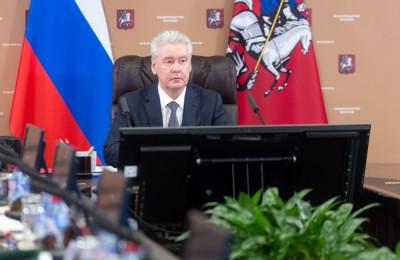 Сергей Собянин перенес срок введения новых правил размещения вывесок за пределами ТТК на год