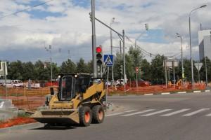 Работы по благоустройству Варшавского шоссе ведутся по программе «Моя улица»