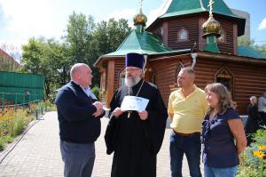 Владимир Ресин посетил стройку храма в честь Державной иконы Божией Матери в Чертанове