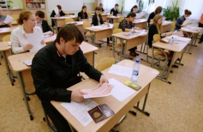 В качестве эксперимента столичные школьники в 2016 году смогут сдать базовый ЕГЭ по математике после 10 класса