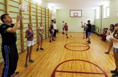 В школах могут добавить еще один урок физкультуры