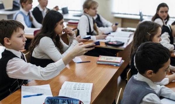 Школьники Москвы встретятся с российскими космонавтами и выйдут на связь с МКС