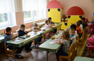 Пятиразовым питанием обеспечат воспитанников детских садов Москвы с 2016 года