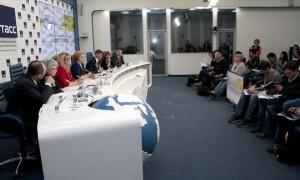Фото с обсуждения нового проекта детского отдыха в Москве