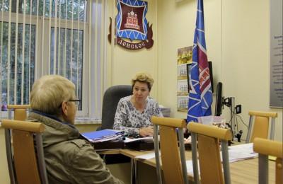 Татьяна Кабанова регулярно проводит приемы местных жителей