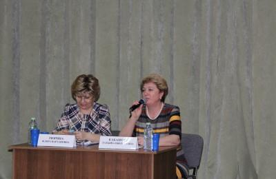 Участие во встрече приняла глава муниципального округа Донской Татьяна Кабанова (справа)