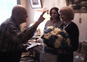 Ветерану вручили нагрудный знак «75 лет битвы за Москву»