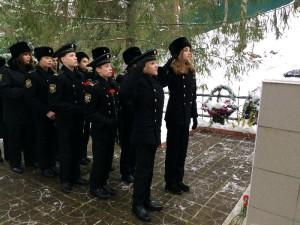 Кадеты возложили цветы к памятнику героям ВОВ