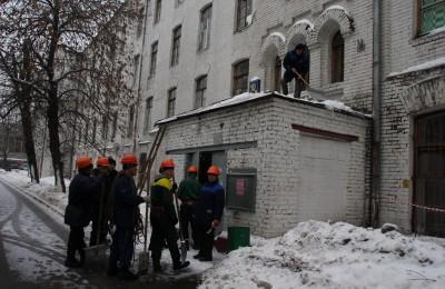 Уборка снега в Донском районе