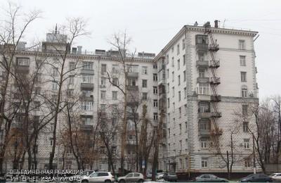 Двор жилого дома в Донском районе