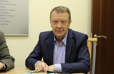 На фото муниципальный депутат Владимир Милькин