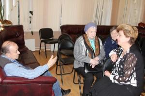 Глава муниципального округа Татьяна Кабанова регулярно общается с жителями