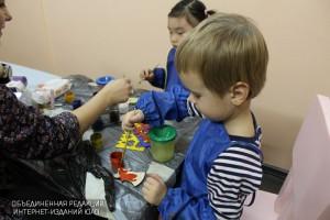Дети на творческих занятиях в библиотеке №164