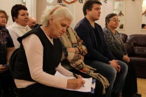 Жители во время встречи с депутатами