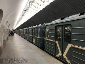 Поезд в метрополитене Москвы