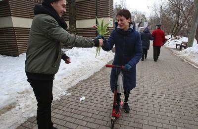 """Цветочный забег в парке """"Фили"""" в Москве"""