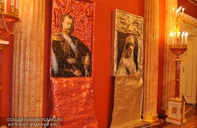 """На выставке """"Семья Николая II в портретах греческого скульптора Никоса Флороса"""""""
