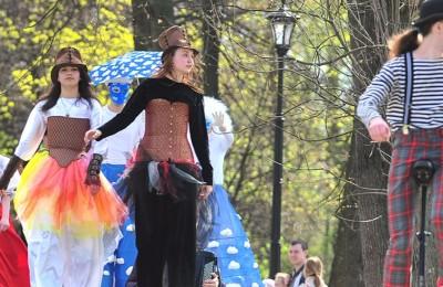 Фестиваль «Ворвись в весну» проходит в парках Москвы