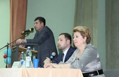 Татьяна Кабанова на встрече исполняющего обязанности главы управы Дмитрия Соколова с жителями