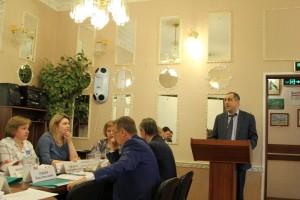 Депутат заслушали информацию о работе поликлиник район