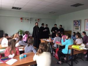Волонтеры Социального центра поздравляют детей с Пасхой