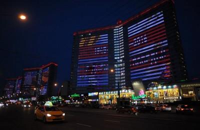 Медиа-фасады на Новом Арбате покажут цифровое шоу ко Дню Победы