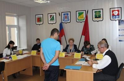 Татьяна Кабанова на заседании приемной комиссии