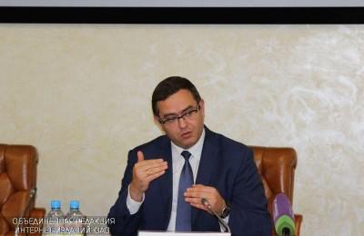 Глава Департамента труда и социальной защиты населения Москвы Андрей Бесштанько