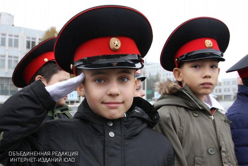 Призывники ЮАО сходили на экскурсию в армию