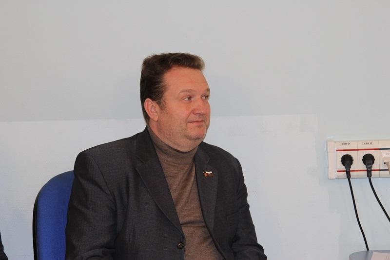 Депутат Владислав Резков