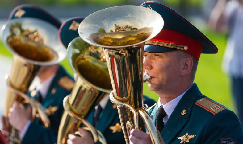 Военные оркестры выступят в Парке Горького
