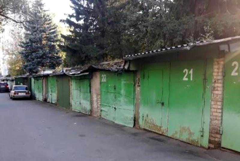 Уборка дворовых территорий прошла в Донском районе