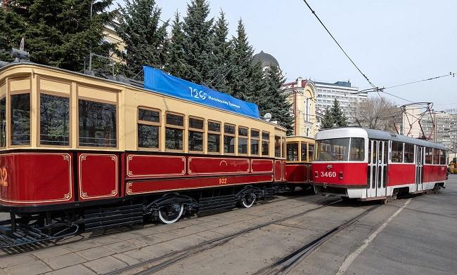 парад шествие трамваев