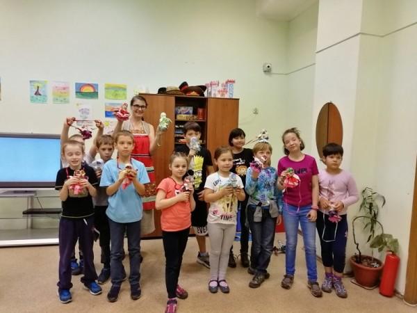 Социальный центр святителя Тихона мастер-класс для детей в социальном приюте Красносельский