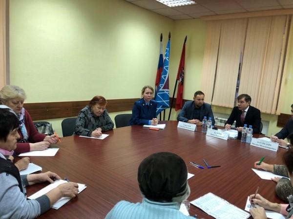 встреча с жителями, Давид Цабрия, Дмитрий Соколов, Михаил Затонский 4