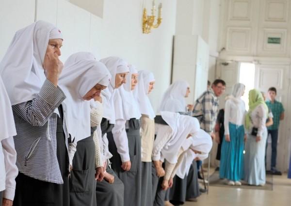 Социальный центр Святителя Тихона, гуманитарная помощь,