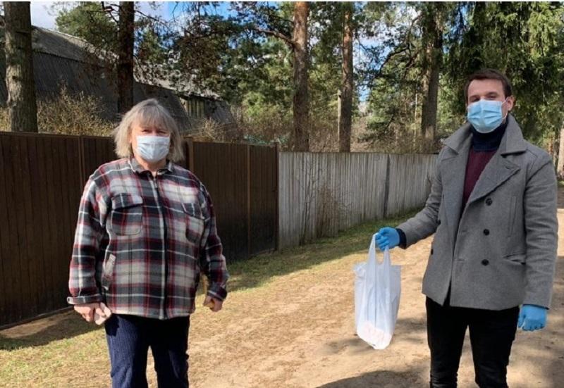 Соцслужбы помогли жительнице Донского района