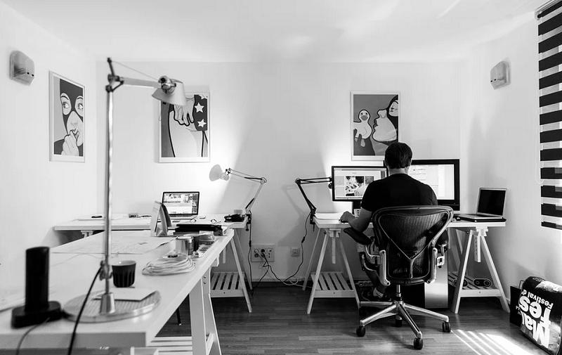дизайнер компьютер онлайн пикс