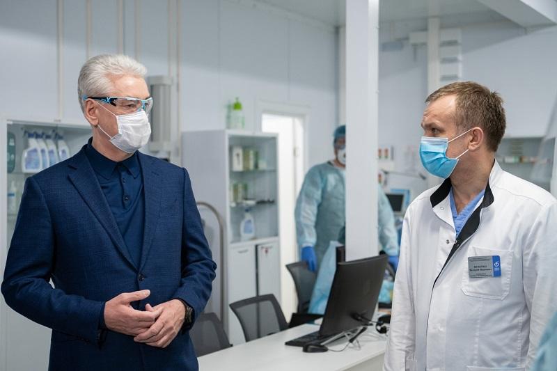 сергей-собянин-доктор-врач-больница-вк-собянина