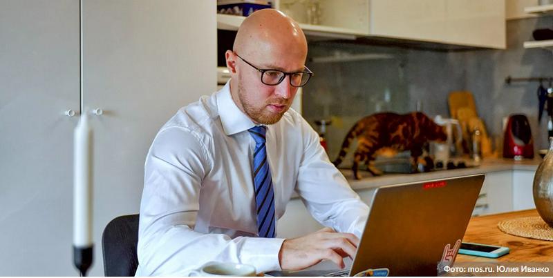 компьютер-онлайн-мужчина-мос-ру