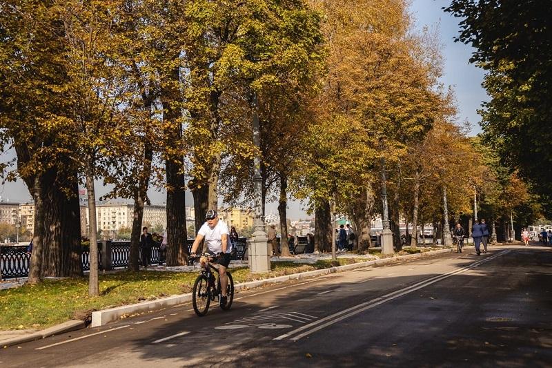 парк-горького-осень-велисипед-дорожка-сайт-пг