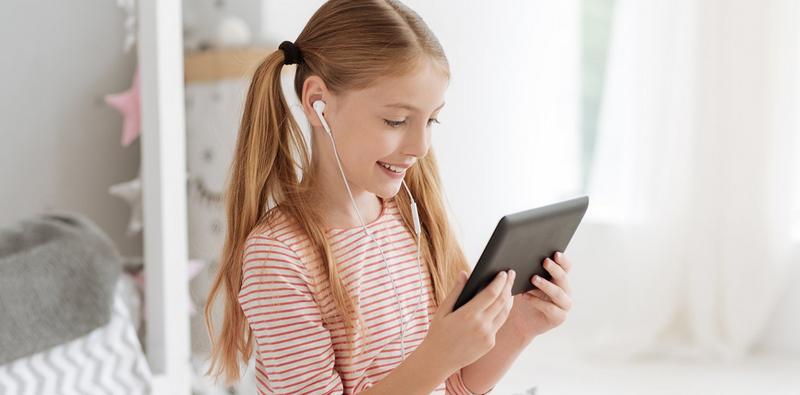 дети-онлайн-ребенок-планшет-компьютер-мос-ру