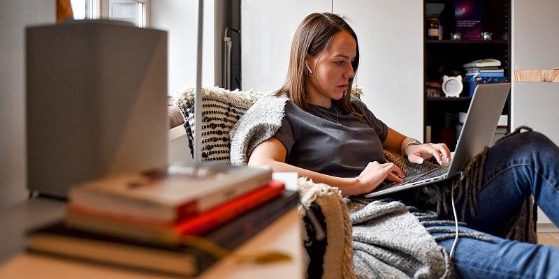 онлайн-компьютер-удаленка-бизнес-учеба-студенты-мос-ру