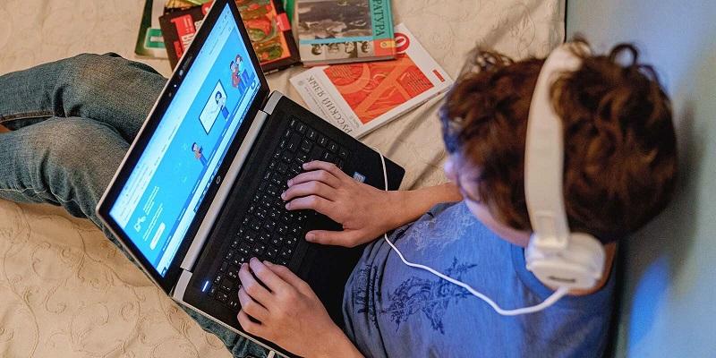 школьник-обучение-компьютер-онлайн-мос-ру