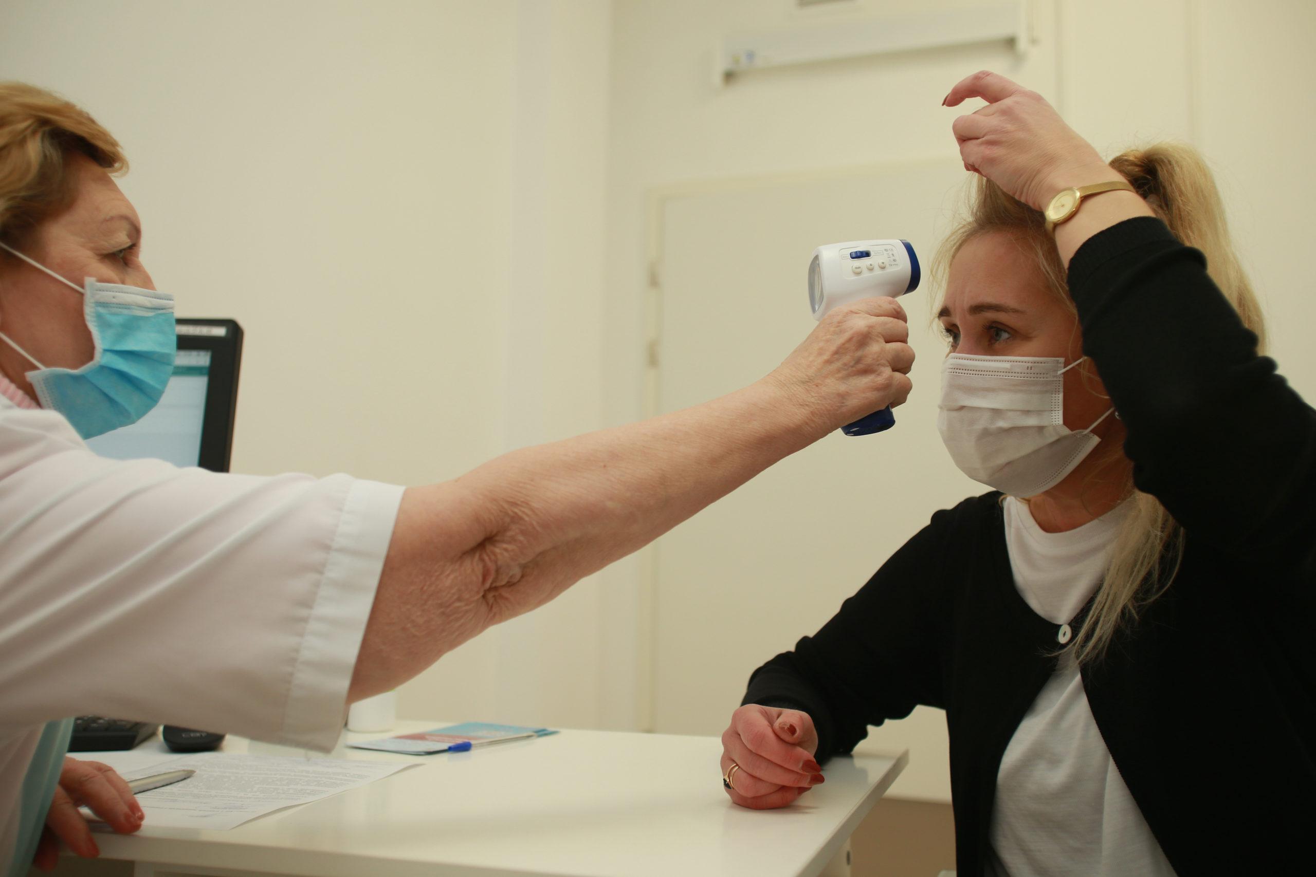 """В столице расширен список категорий граждан для вакцинации от COVID-19. Фото: Наталия Нечаева, """"Вечерняя Москва"""""""